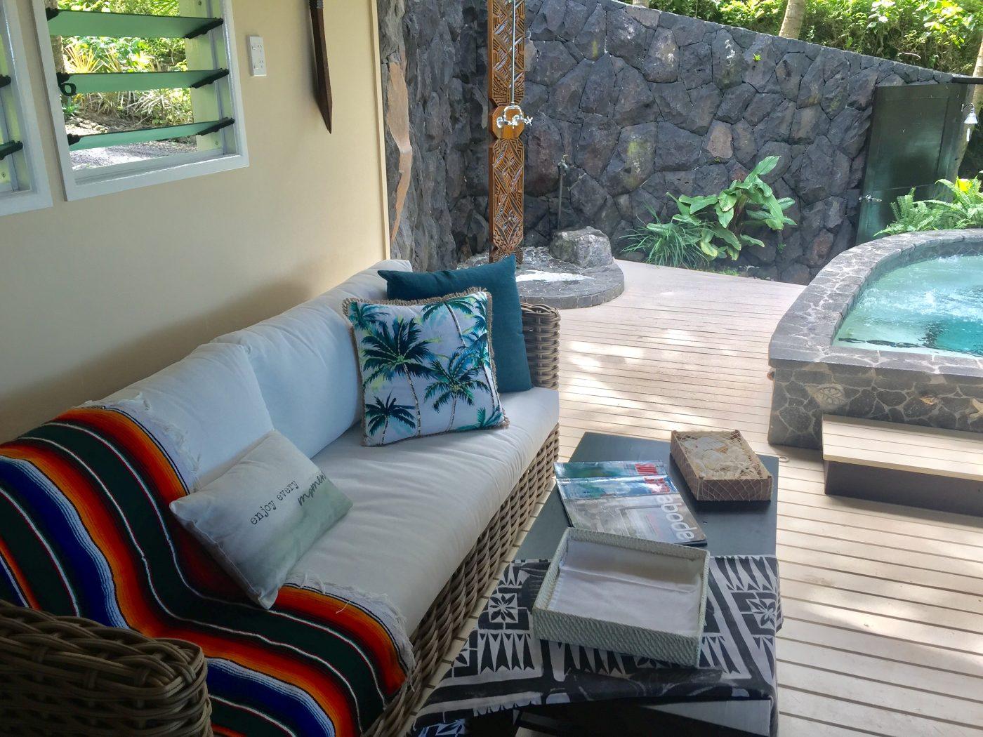 Lagoon View Spa Villa Room Courtyard Shot 8